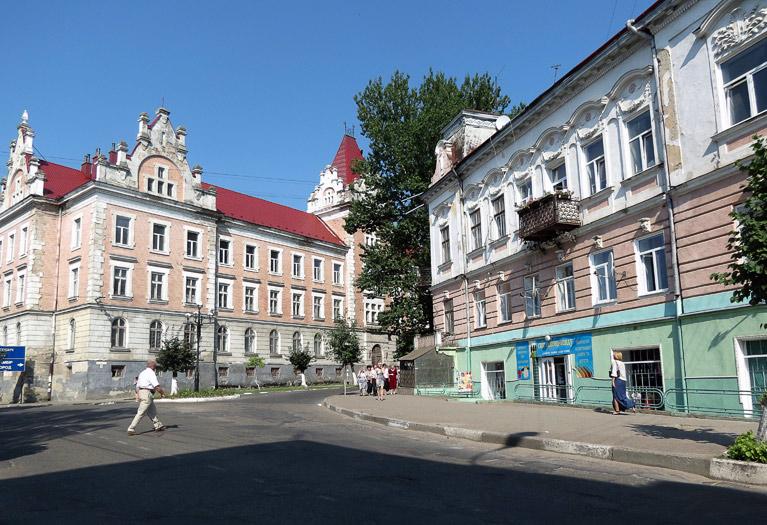 Samborskie kamienice. Źródło: http://varandej.livejournal.com/