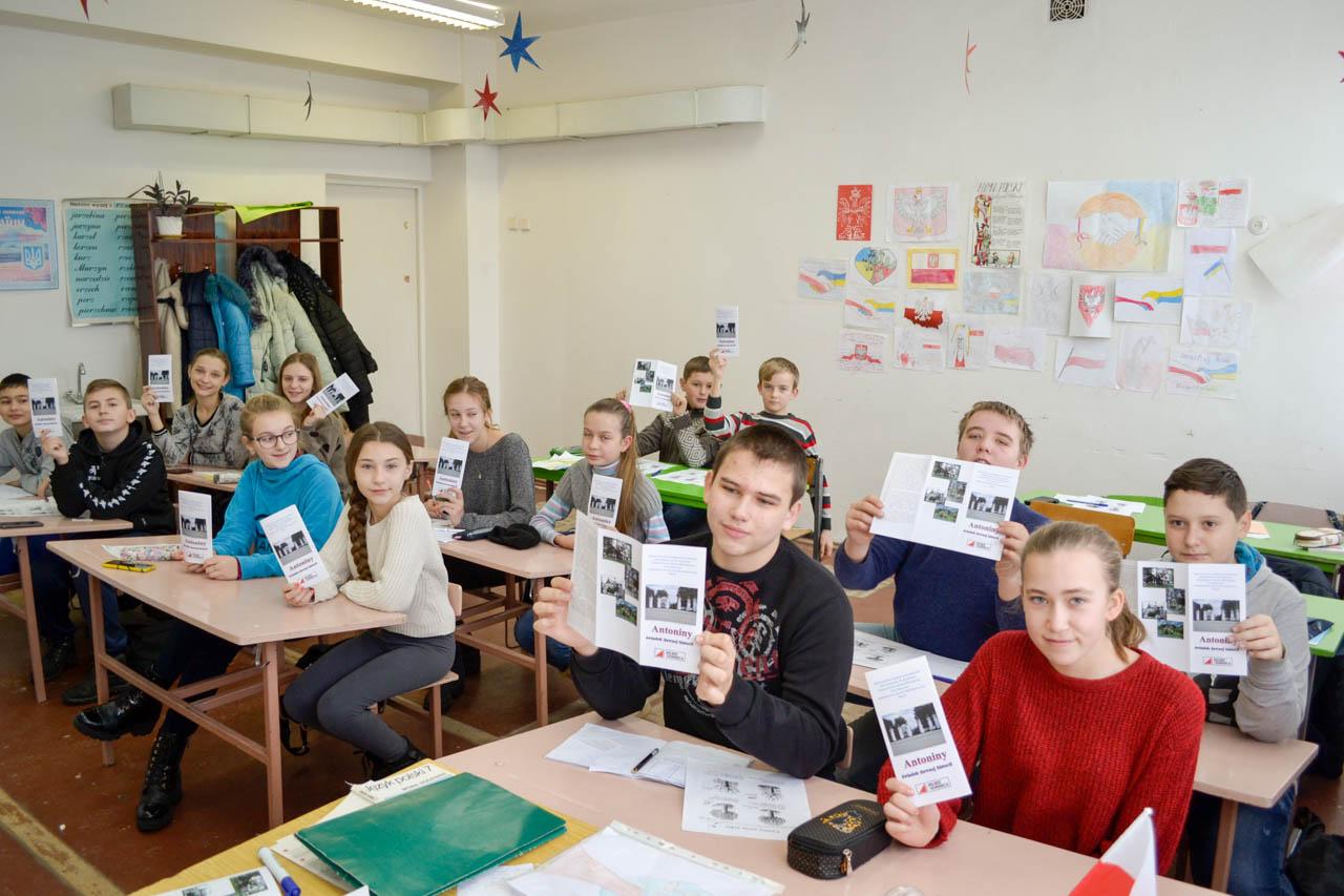 Krasiłowska młodzież poznaje historię własnego regionu