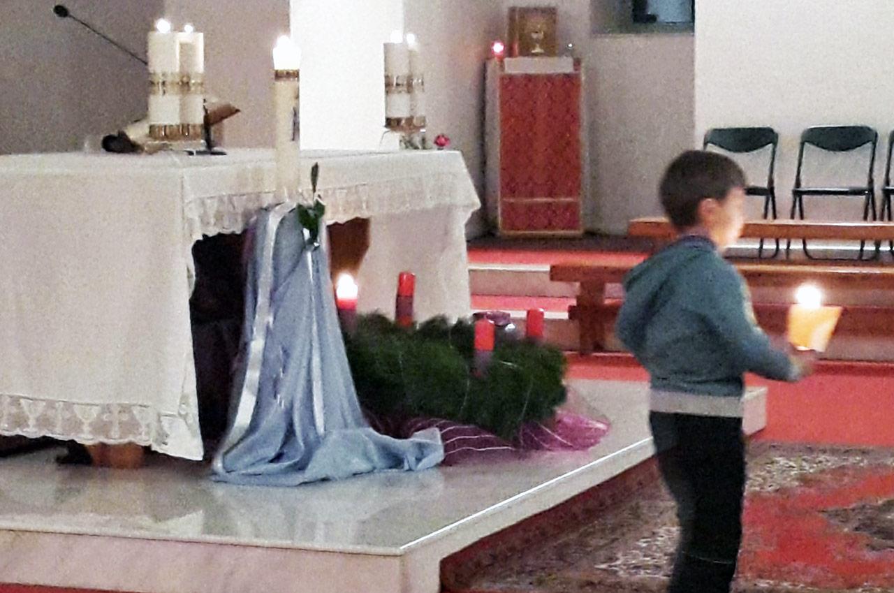Wieniec adwentowy w winnickim kościele Ducha Świętego