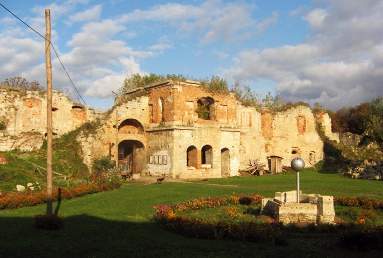 Obecny wygląd zamku w Brzeżanach. Źródło: viki-tour.com.ua