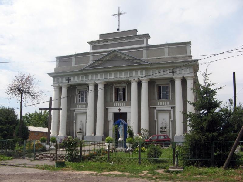 Kościół w Czarnym Ostrowie, gdzie stała figura Laury Przeździeckiej. Źródło: io.ua