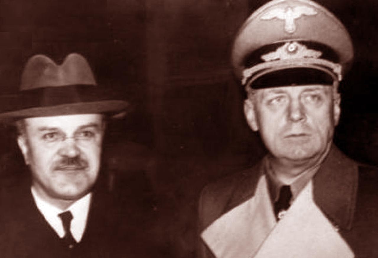 Mołotow i Ribentropp na wspólnym zdjęciu. Źródło: NAC