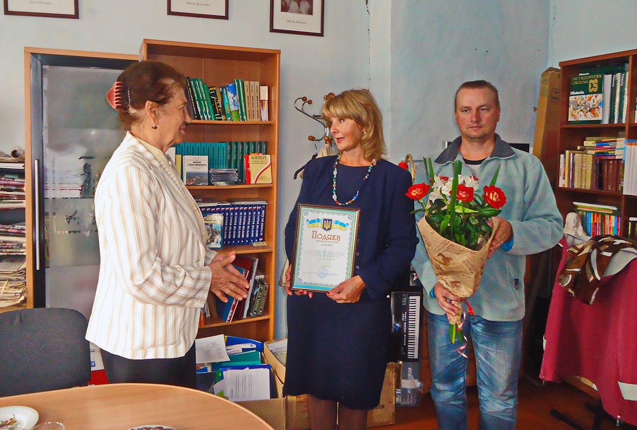 Jubilatka pani Walentyna Kowalczuk po lewej stronie