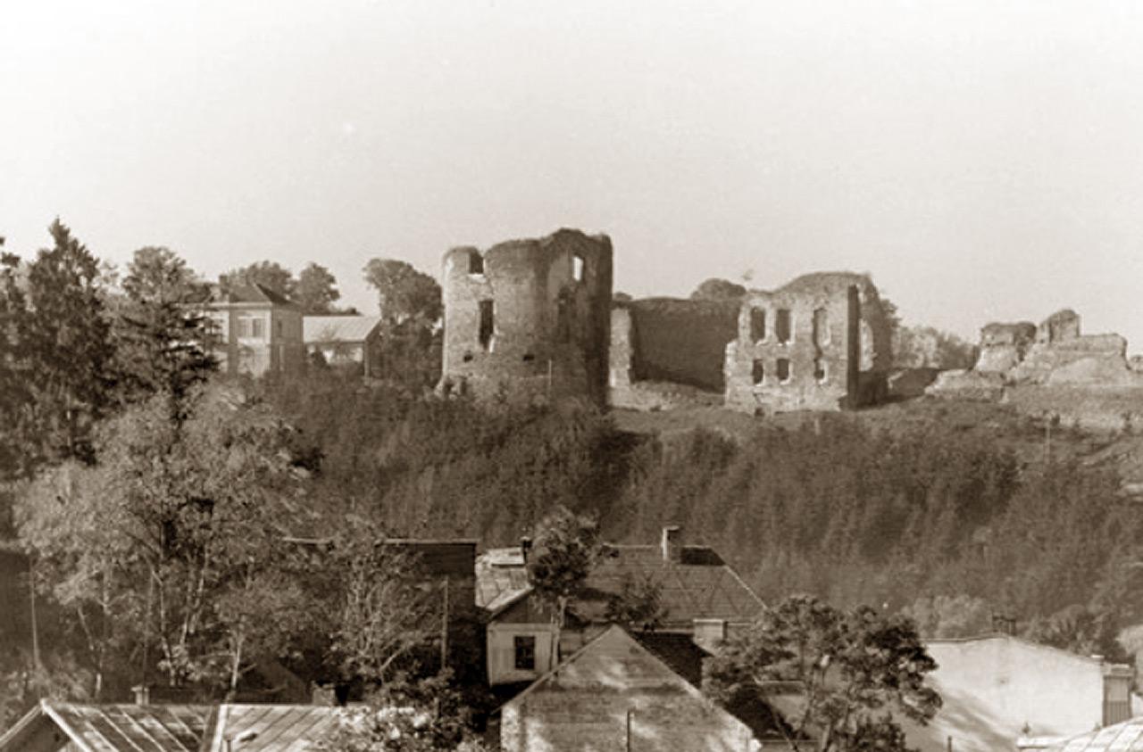 Ruiny zamku w Buczaczu. Źródło - NAC