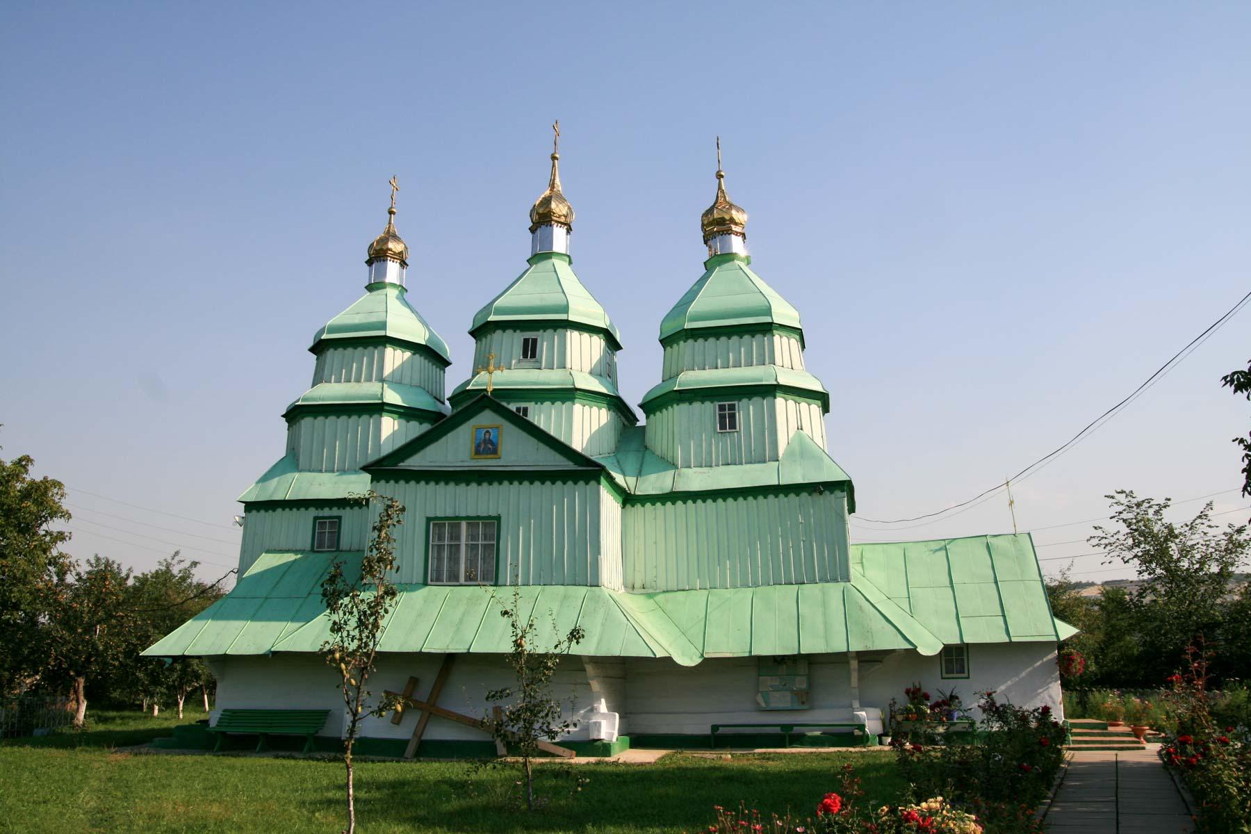 Zabytkowa drewniana cerkiew w Mohylewe Podolskim