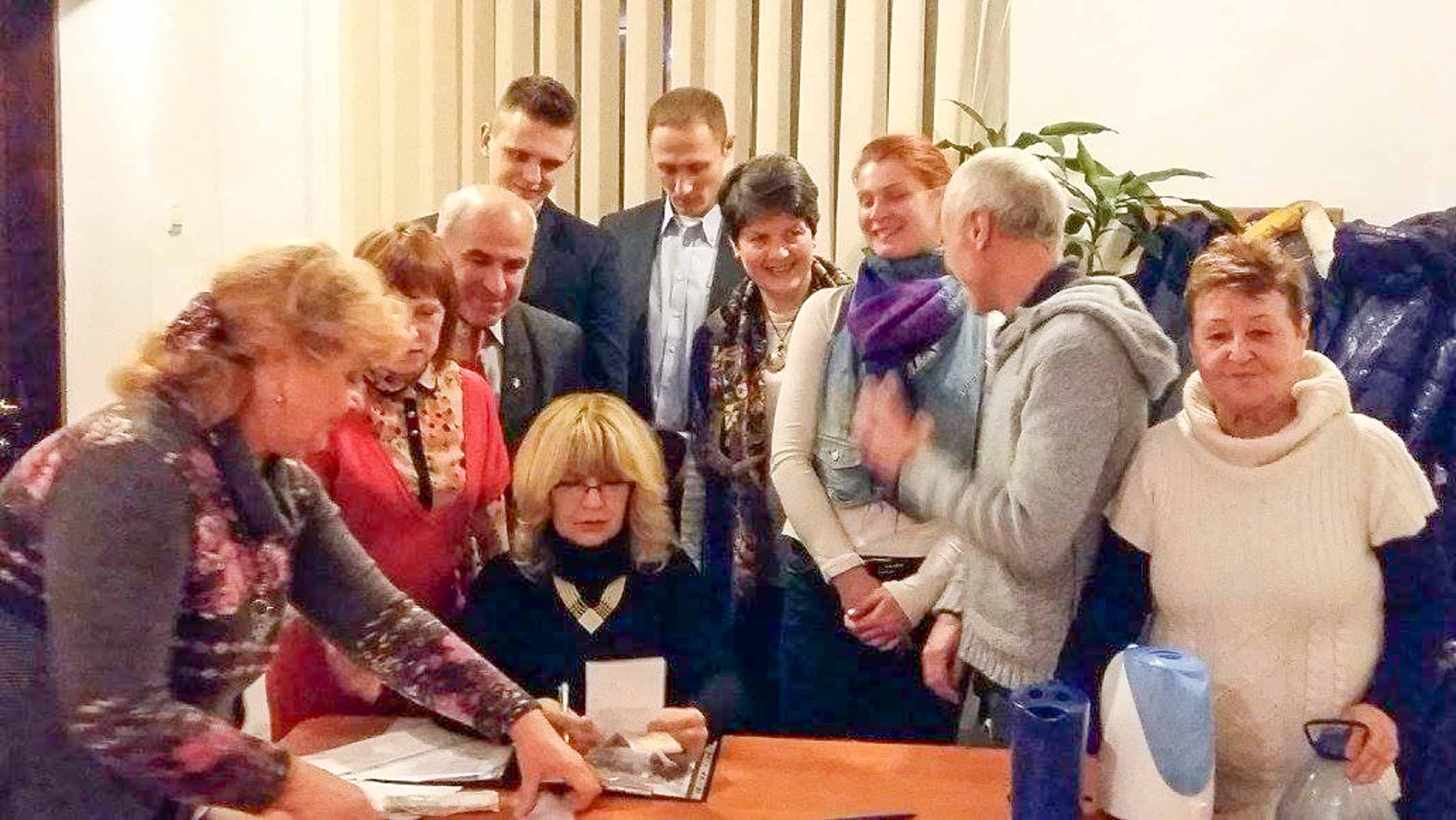 Grupa aktywistów humanitarnej akcji Kałanczak
