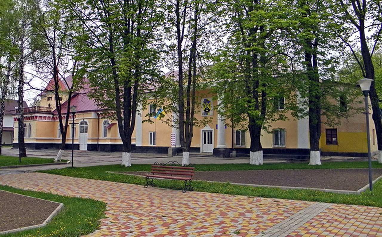 Były pałac Krasickich w Dunajowcach. Źródło: www.uainfo.org