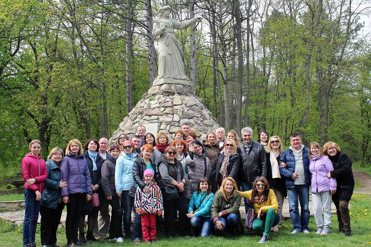 Pomnik Zofii Chrzanowskiej w Terebowli. W 1675 r. Chrzanowska stanęła na czele obrońców zamku przed Turkami