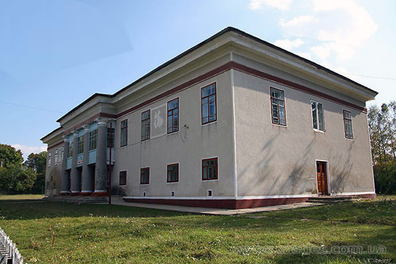 Pałac Czerwińskich w Iwachnowcach. Źródło: castles.com.ua