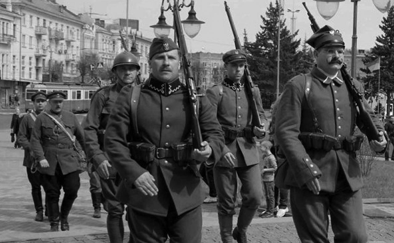 Zdjęcie zrobione podczas rekonstrukcji historycznej w Winnicy w maju 2015 r.
