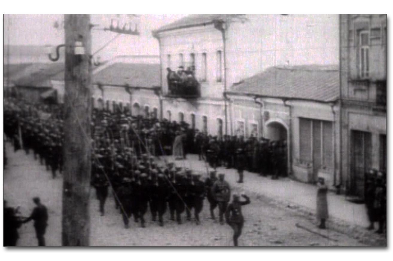 Wojska polskie na ulicy Żytomierza. Źródło - WFDIF