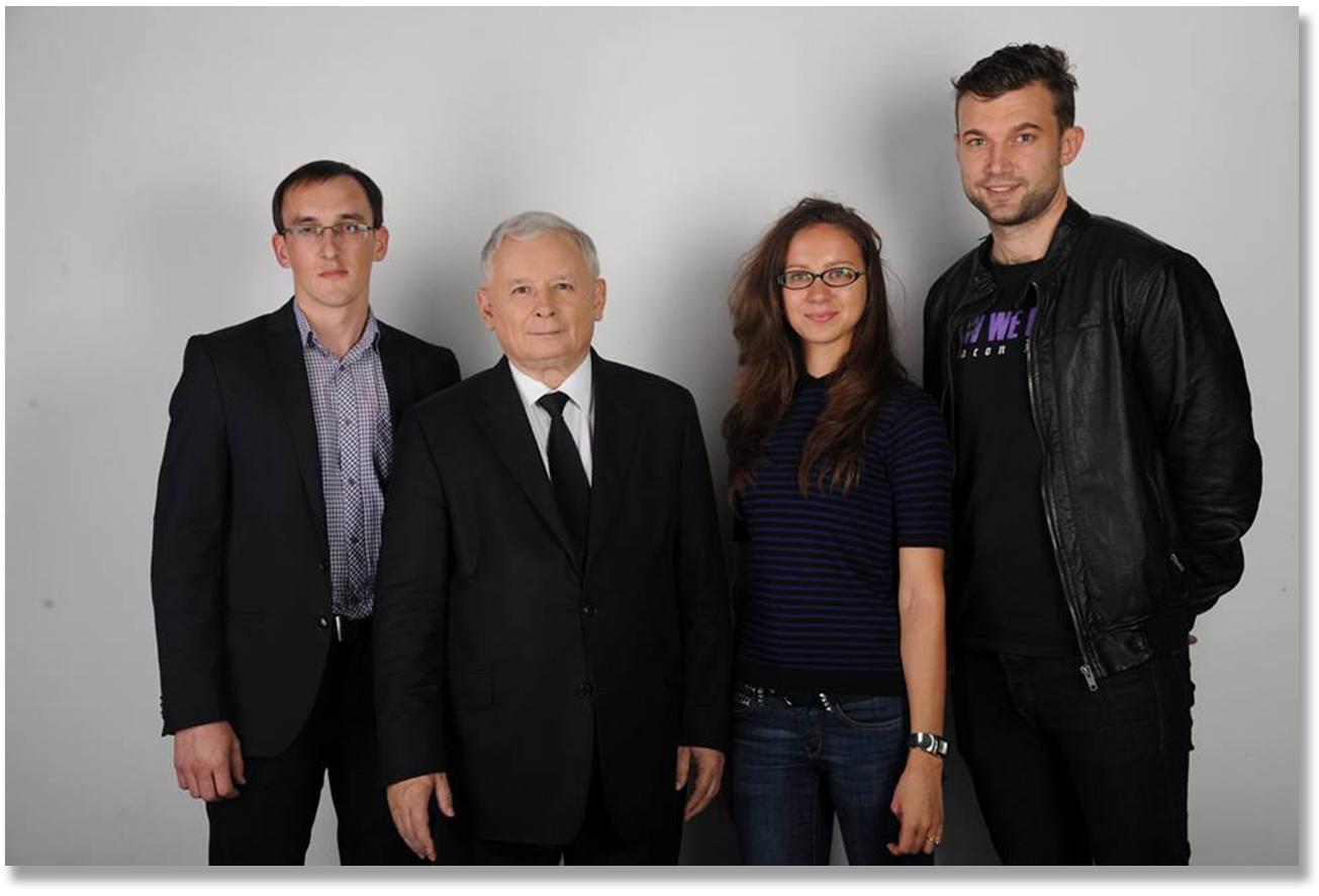 Inna Sandiuk z Jarosławem Kaczyńskim na zdjęciu