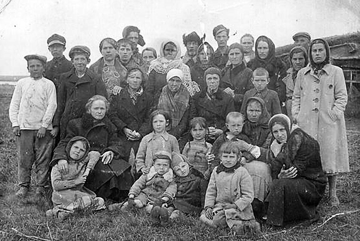 Rok 1940. Unikatowa fotografia Polaków deportowanych do Kazachstanu. Fot. ze zbiorow Janiny Figas