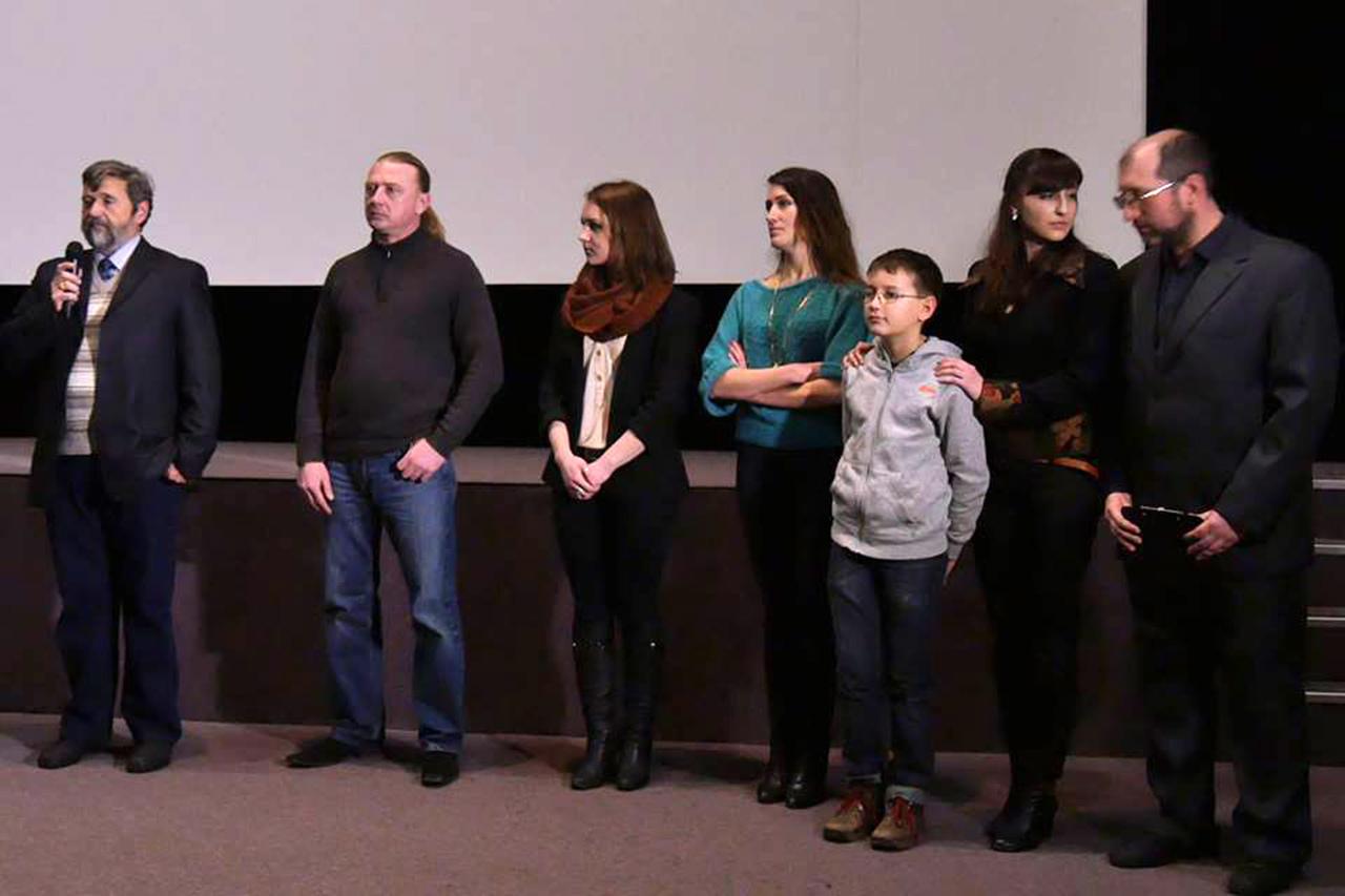 Ekipa aktorska filmu o Zarębskim. Reżyser - Julia Ogińska - druga od prawej