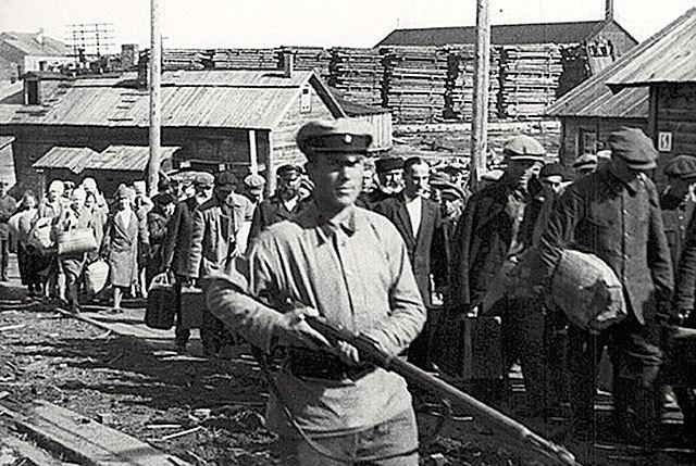 Przesiedleńcy na wschód. Źródło - www.novayagazeta.ru
