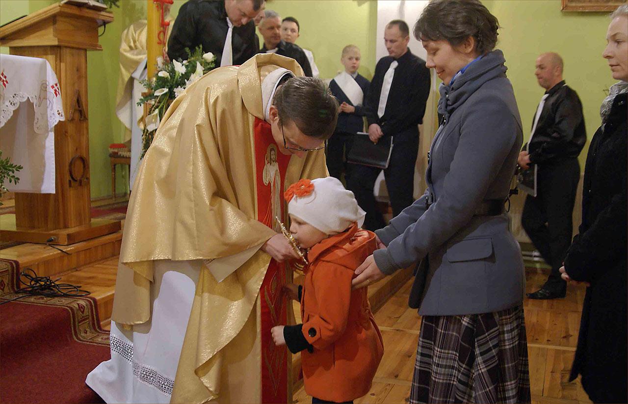 Adoracja relikwii Św. Jana Pawła II w Sanktuarium Miłosierdzia Bożego