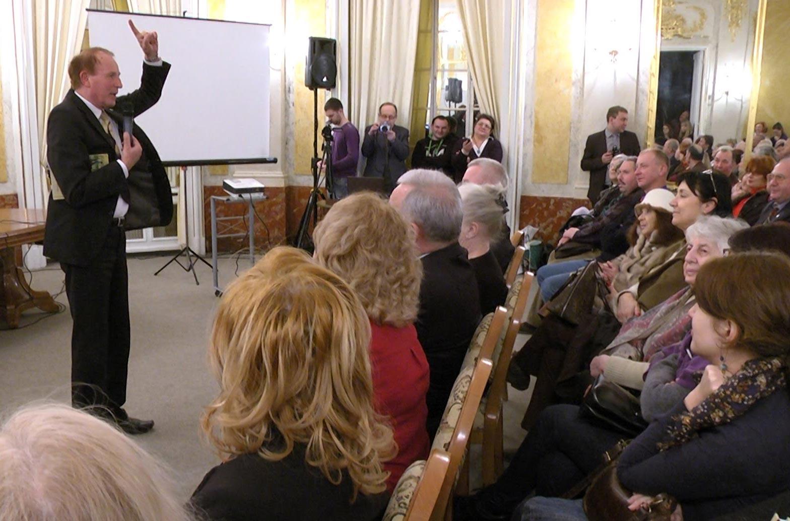 Prezentacja 5 tomu Kresowych Atlantyd we Lwowie. Źródło - KG
