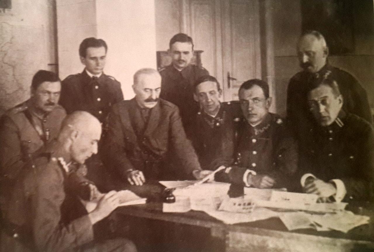 Korespondenci wojenni podczas wojny w 1920 roku. Po lewej - Małaczewski