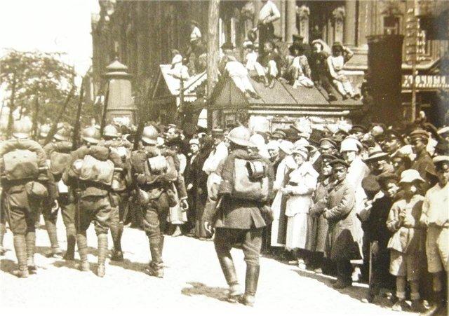 Wojska polskie i ukraińskie wchodzą do Kijowa. Źródło - forum.milua.org
