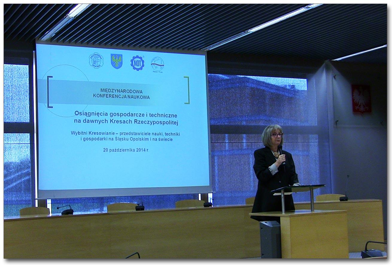 Prof. Maria Kalczyńska otwiera konferencję Fot. K.Harupa