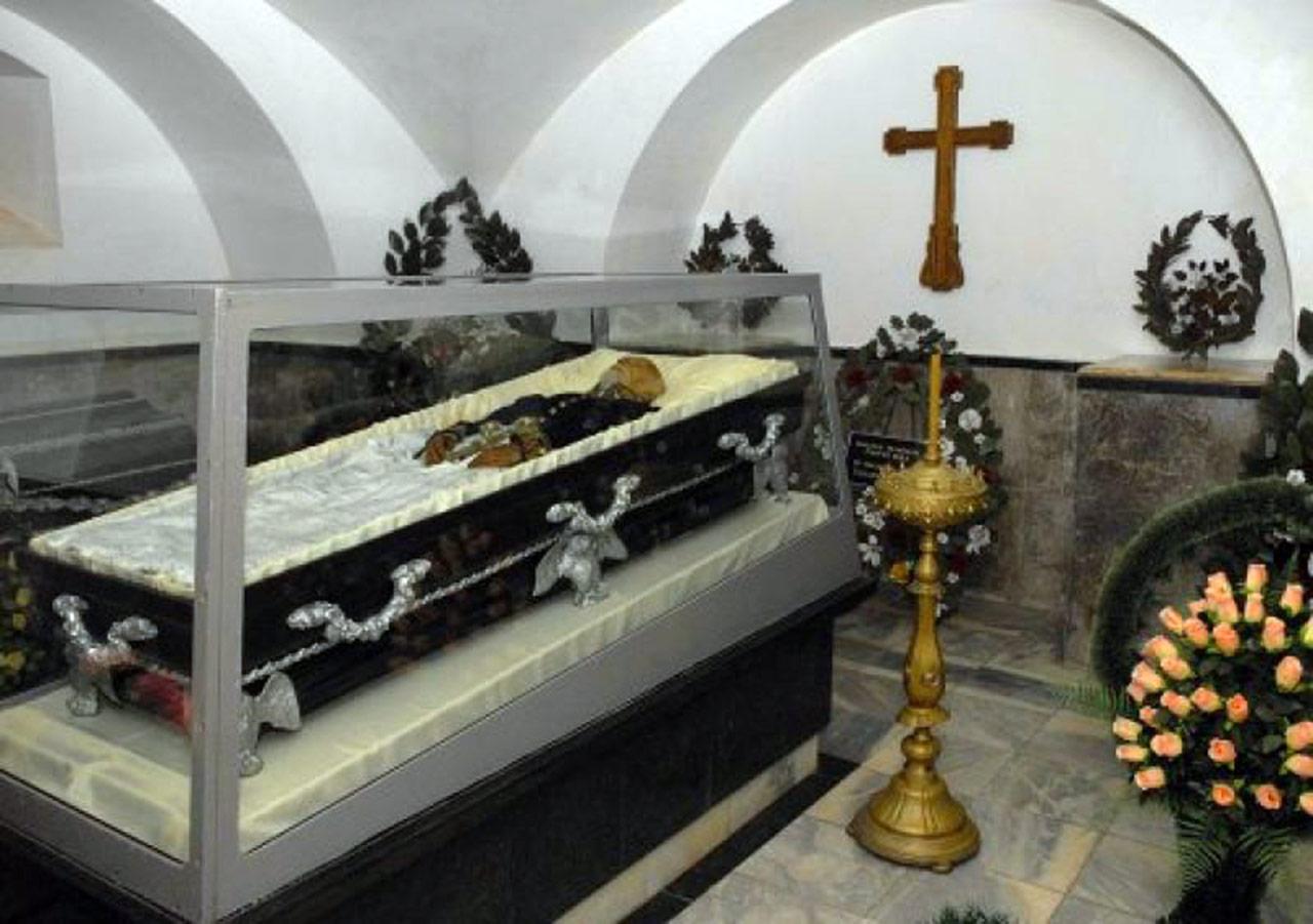 Mauzoleum Pirogowa w Winnicy. Żródło - www.stejka.com