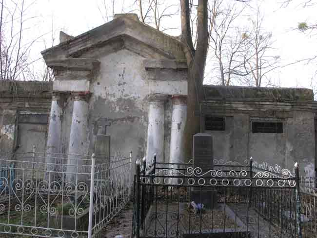 Zdjęcie pobrane z http://allegro.pl/cmentarz-polski-zytomierz-kresy-44-zdjecia-i1461060351.html