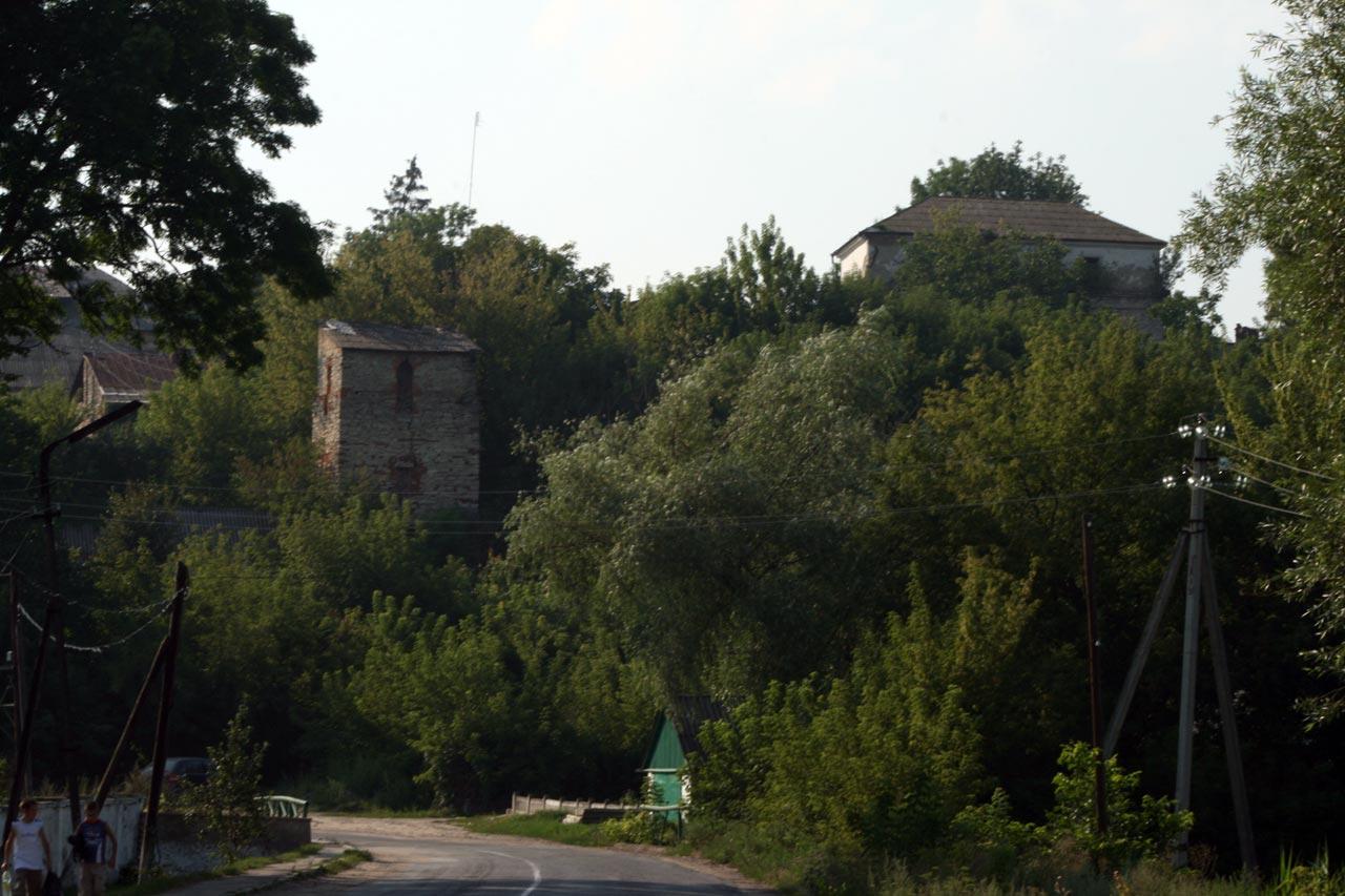 Widok na zamek w Szarogrodzie