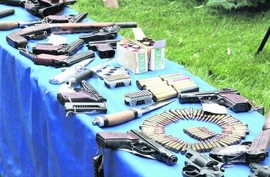 Zdjęcie pobrano z http://www.segodnya.ua/criminal/Ukraincy-shokirovali-MVD-kolichestvom-dobrovolno-sdanogo-oruzhiya-440864.html