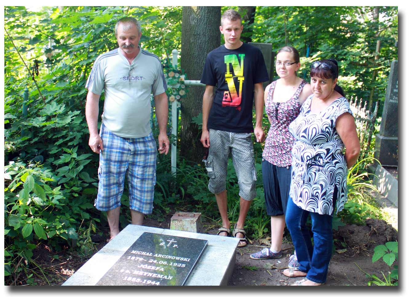 Na zdjęciu - Andrzej, Romuald, Agnieszka i Bożena Arcinowscy