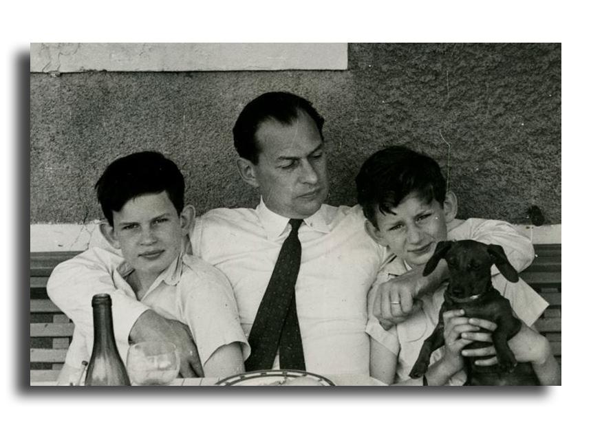 Andrzej Grocholski z synami - ze zbiorów rodzinnych rodziny Grocholskich