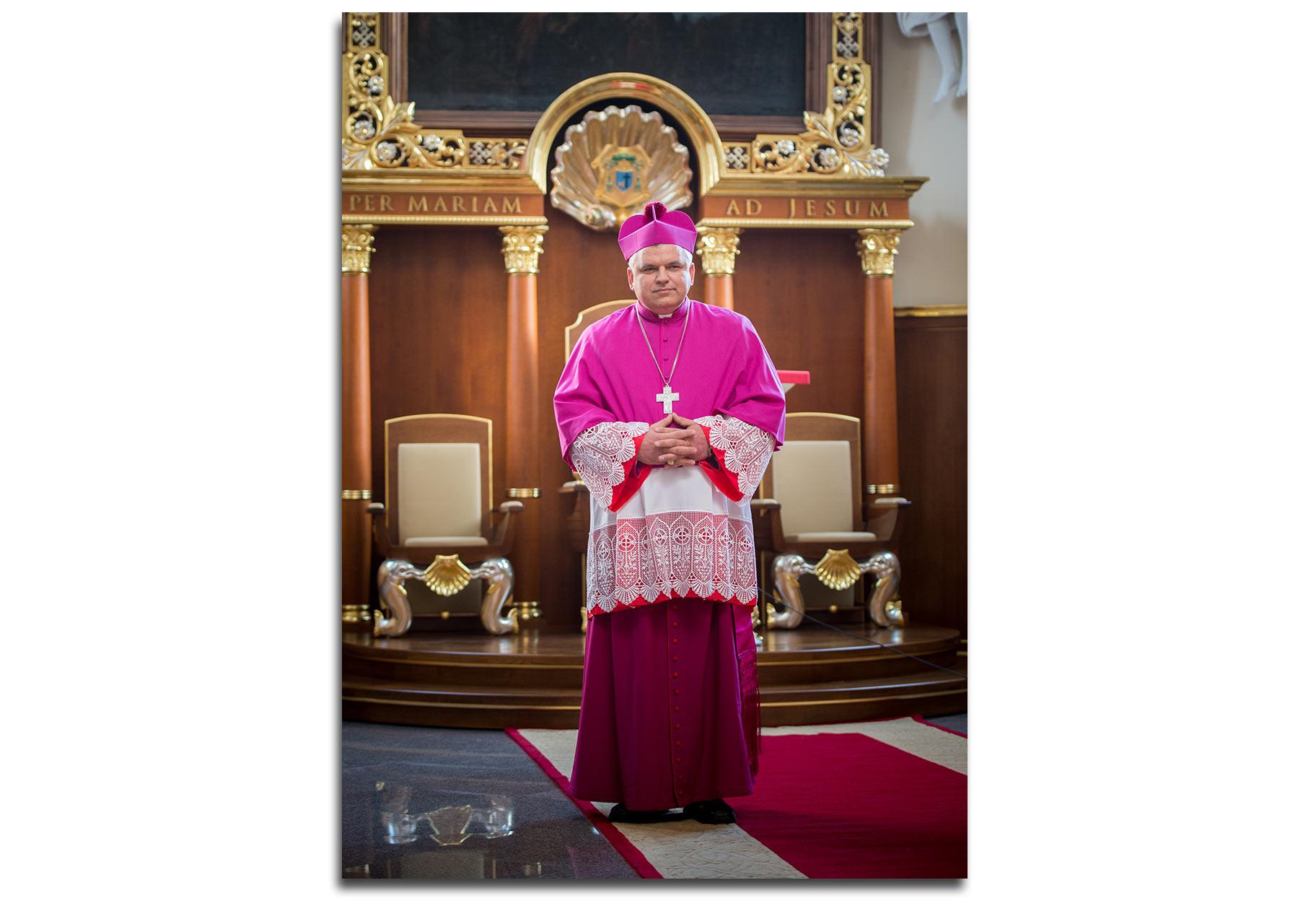 Biskup Pyl w odesskim kościele